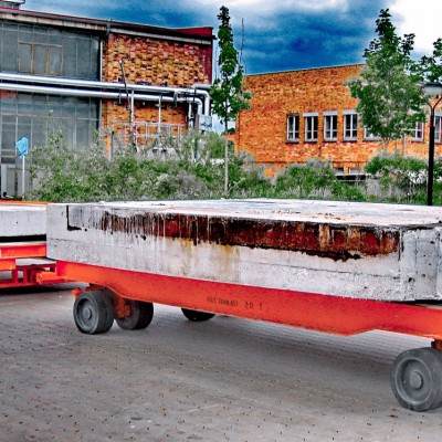 Betonplattenabtransport